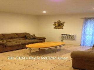 2 Bedroom Downstairs Unit next to Airport PETS OK, Las Vegas