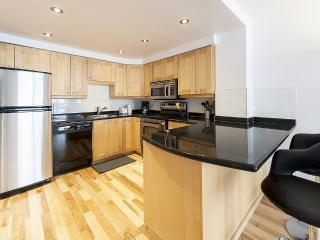 Executive 2-Bedroom suite for rent - 475, Montreal