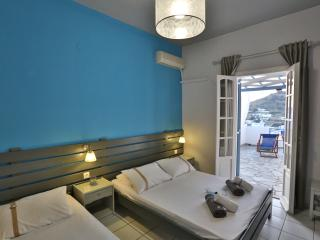 Kini Bay Studio with Veranda & Sea view No7
