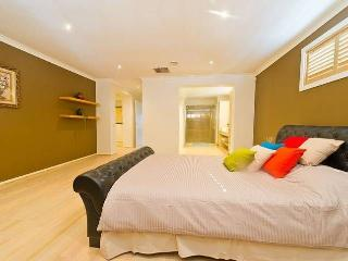 Lovely Family vacation home, Balmain