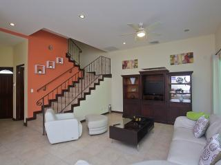 Beautiful 3 bedroom condo in Herradura
