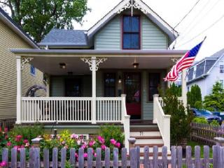 BEAUTIFUL Historic Victorian 3BR House, Ocean Grove