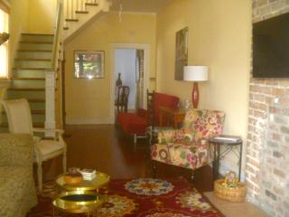 CENTER OF ALL THINGS NEW ORLEANS! SUMMER RATES!!!, New Orleans
