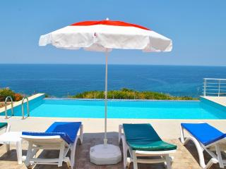 Blue Ocean, Cliff edge location with private pool, Esentepe