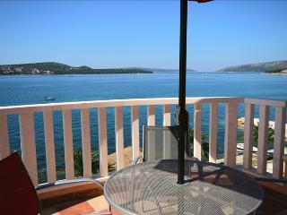 Charming well-equipped holiday home in Trogir 4222, Donji Seget