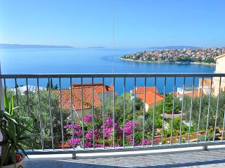 Vacation home with a beautiful view 4867, Okrug Gornji