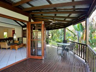 6 Bedroom House on Private Oasis, Cairns