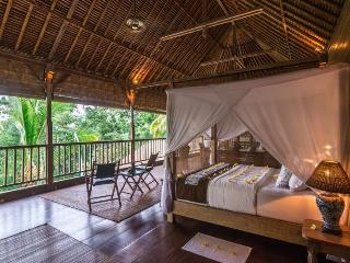 Secluded Escape for a Couple, Ubud