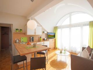 Vacation Apartment in Wasserburg - 484 sqft, 1 bedroom, 1 living / bedroom, max. 3 people (# 8682)