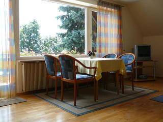 Vacation Apartment in Wasserburg - 969 sqft, 3 bedrooms, max. 6 persons (# 8696)