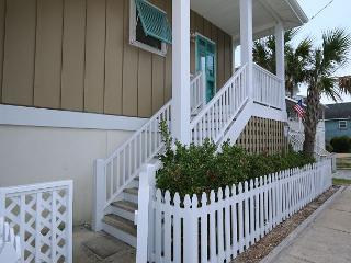 Kick -N-Back- Downstairs apartment available for long term off season rentals, Wrightsville Beach