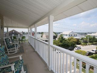 Kick-N-Back -  Spacious and comfortable home offering nice ocean sound views, Wrightsville Beach