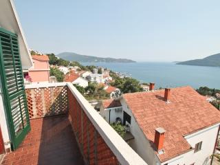 2 bedrooms with a gorgeous view of the Bay, Herceg-Novi