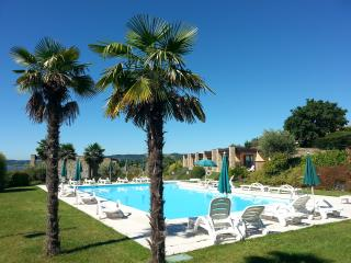 RELAIS ROSA DEI VENTI, 2 Bdr., 2 pools, superview., Moniga del Garda