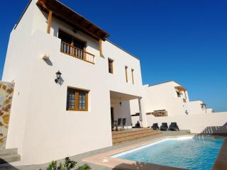 Villa las Salinas Private Pool 4 bedrooms, Costa Teguise