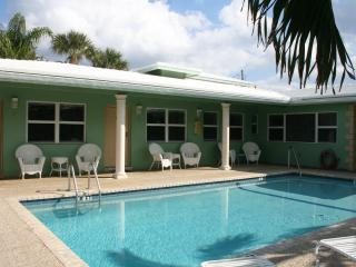 Lovely Studios - 1 Block to Ocean Deerfield Beach