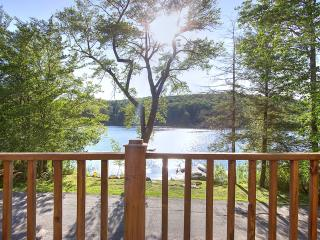Lake House with a one of a kind view in Sand lake, Sand Lake