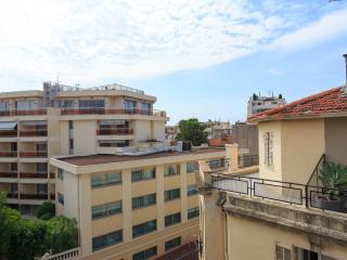 Studio Cannes Modern free wifi,air conditioner
