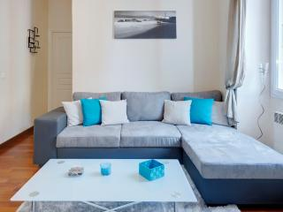 Jade- stylish 1bed Port area. SUPER DEALS TODAY, Nice