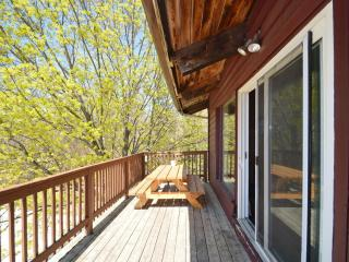 5 Bedroom Swiss Chalet with Outdoor Hot Tub #40R, Blue Mountains