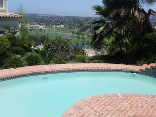 Jacuzzi, Pool, and Golf Course View- Stunning!, Carlsbad