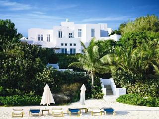 Sand Villa, Sleeps 6, West End Village