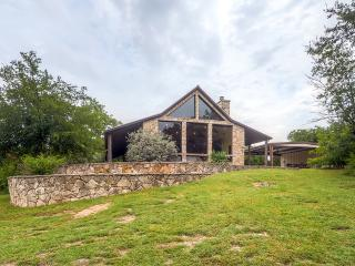 Buy 2 Nights, Get 1 FREE! 2BR Glen Rose Home Resting on 12 Secluded Acres - Near Fossil Rim Wildlife Park