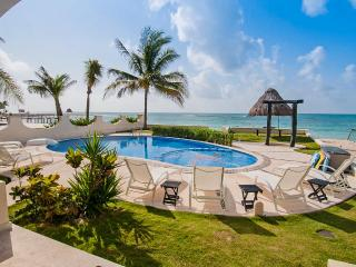 Villa Paradise, Sleeps 10, Playa Paraiso