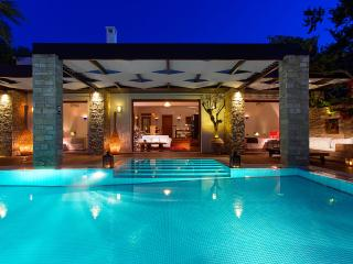 Royal Spa Villa, Sleeps 4, Tragaki