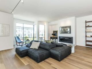 Modern 2b/2.5b in the Heart of the Mission, San Francisco