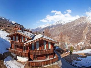 Le Grand Deux Chalet, Sleeps 10, Saas-Fee