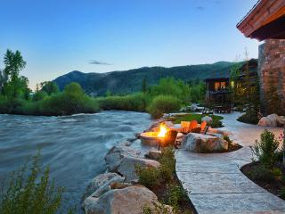 Riverbend Ranch, Sleeps 20, Kamas