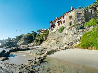 Mariona Estate Laguna, Sleeps 24, Laguna Beach
