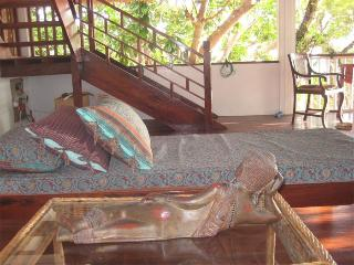 Comfortable Tropical Villa with Private Beach, Busuanga Island
