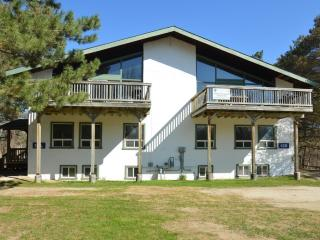 8 Bedroom Swiss Chalet with Sauna 13R#199, Blue Mountains