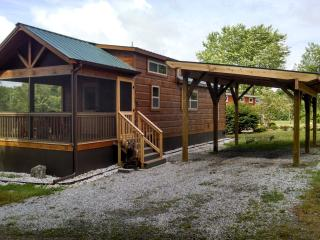 Tiny Home Cottage, Hendersonville