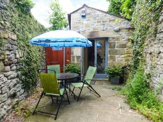 THE STUDIO cosy accommodtion, front courtyard, town centre in Bakewell Ref 926988