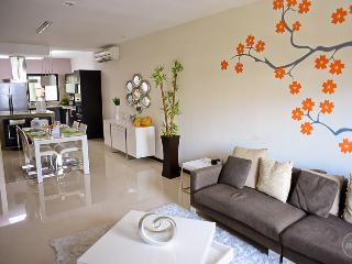 Great Apartment in North Playa! Beside the Sea!!, Playa del Carmen