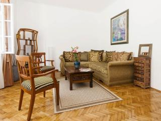 Central 1 Bdrm Apt next to Republic Square, Belgrado