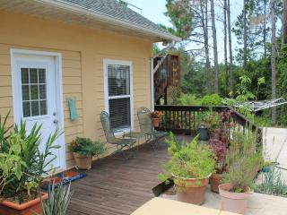 Countryside Retreat Surrounded by Tropical Gardens, Groveland