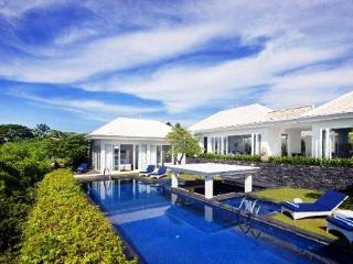 4 Bedroom Ocean View Villa, Kuta