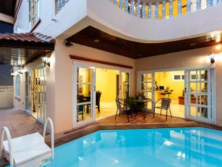 4 Bedroom Villa + Private Pool, Patong