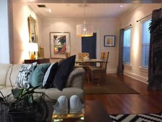 Luxury Large Pad 10 mins to the beach sleeps 6 +, Lake Worth