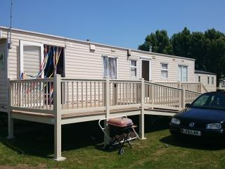 Holiday Home at Coopers Beach Mersea Island Essex, Isla de Mersea