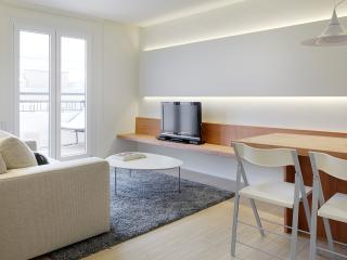 Mur Apartment - with terrace and by the beach, Donostia-San Sebastián