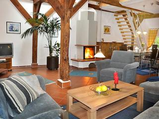 LLAG Luxury Vacation Apartment in Stadland - 1238 sqft, beautifully and spaciously furnished, quiet…
