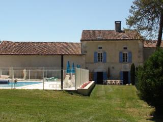 Holiday gite in Bourdeilles with  pool