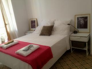 2 bedrooms flat just in front of Ruzafa market, Valencia