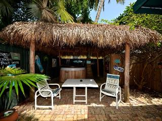 Royal Palm Suite - Secluded Cottage w/ Private Hot Tub & Outdoor Shower, Key West