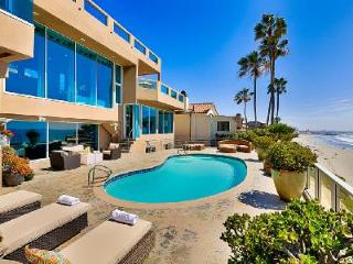 Bird Rock Cove Villa is Sophisticated and Modern with Stunning Beach Views, La Jolla